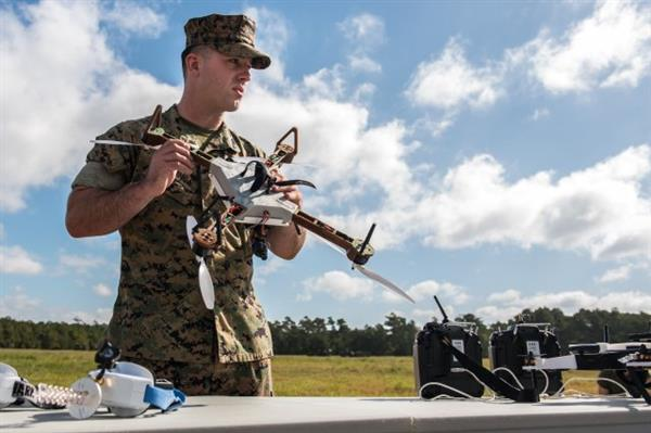 [ DROHNEN! }  US-Armee testet Drohnen  aus dem 3D – Drucker!
