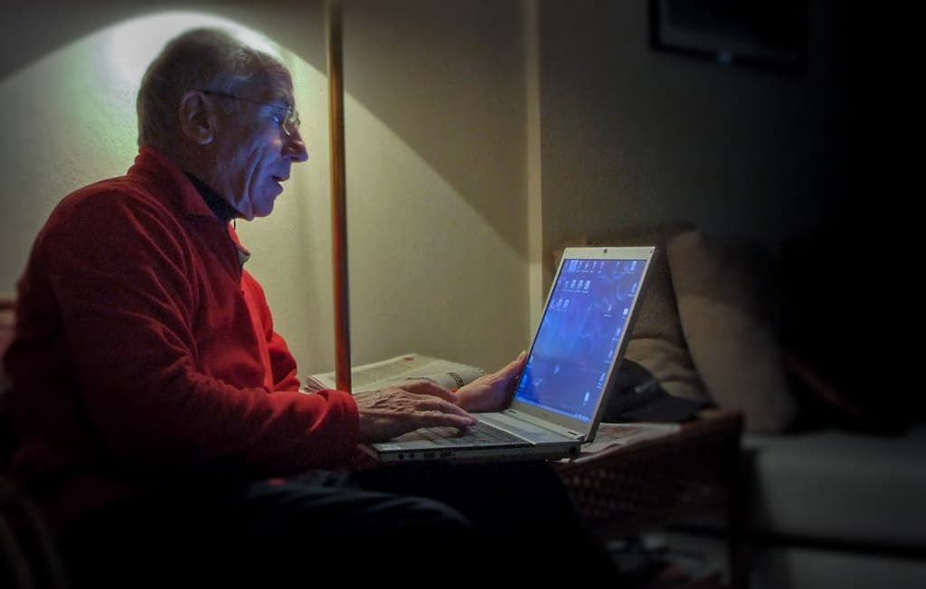 Senioren profitieren vom Internet! Photo: Rainer Sturm / pixelio.de